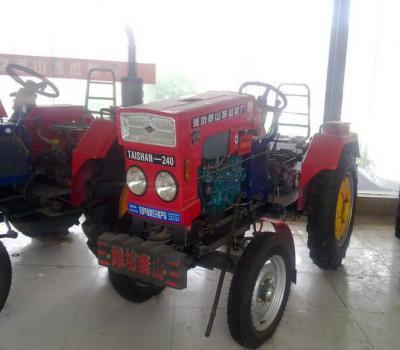 潍泰泰山22马力农用标准轮距四轮拖拉机